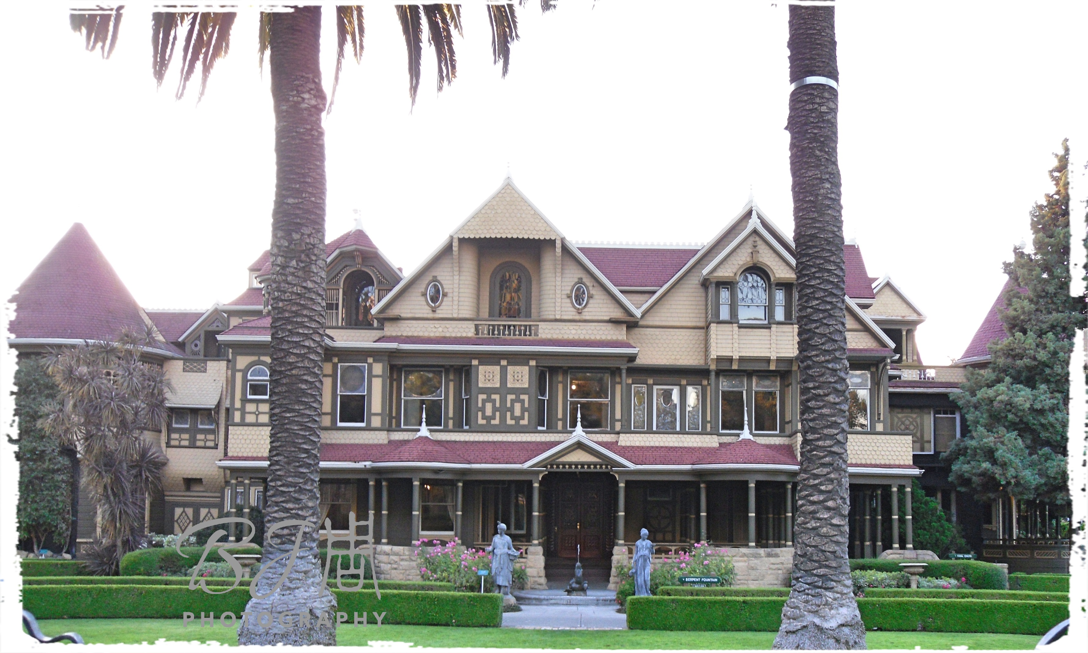Permalink to:政府認證的鬼屋 – 加州溫切斯特神秘屋